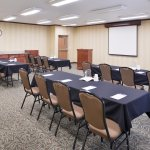 Barnes Meeting Room - 783 Sq Ft - 36 Person Classroom Style