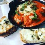 Foto de Eno's Pizza Tavern