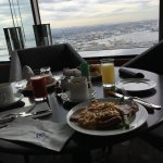 Breakfast with a view over the bay