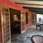 Varangue de Lacaze, sorte de grande terrasse commune qui dessert la réception, les cuisines le s