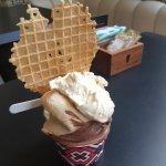 Delicioso sorvete (pote médio - Macadâmia; Cioccolato Belga)