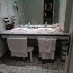 Vista parcial del baño