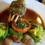 un incontournable carré d'agneau, tendre et à la cuisson parfaite