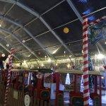 Atrações para as crianças na praça. As fichas custam 1,50€ para cada atração, atrações:gratis a