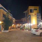 Las Brisas Hotel - Restaurant - Bar resmi