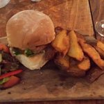 Pulled Pork burger, very nice