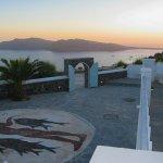 Photo of Hotel Atlantida Villas
