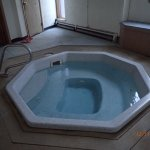 Hot tub. Clean but small