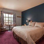 Single Queen Lodge Room  (non-pet friendly)