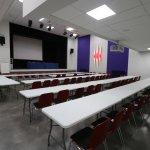 8 salles de réunion dont une plénière de 220 places
