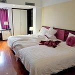 Photo de Golden Sun Suites Hotel