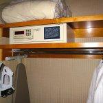 Hilton SFO Airport - Room 1502 - Closet w/ Safe