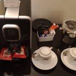"""Ekspres do kawy, czajnik w """"Apartamencie""""..."""