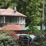 Flannery's está emplazado en un lugar estratégico muy cerca de la boca de metro de Tobalaba.  Es