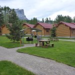 Central area between cabins has barbeques you can use too. Great mountin view.