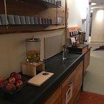 Getränkebar im Wellnessbereich war mit Obst, Saft, Granderwasser und div. Teesorten ausgestattet