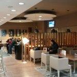 bar/dining room