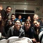 Fotos del grupo, con las azafatas del tren