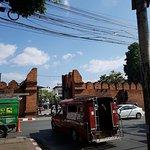 Photo de Thapae Gate Lodge