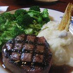 filet with mashed potatoes and broccoli