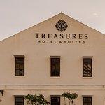 Treasures Hotel & Suites