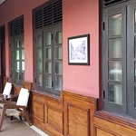 Room from painting to painting along veranda