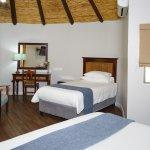 Photo de Protea Hotel by Marriott Oudtshoorn Riempie Estate