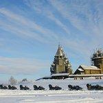 Снегоходные туры на остров Кижи проводятся в феврале - марте каждого года