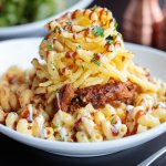 110 Grill Pulled Pork Mac & Cheese