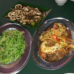 Ling Loong's grilled butter lobsters, sambal squid, dou miao vege!