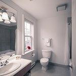 Premiere Queen Bathroom