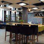 Restauracja Meet&Eat to idealne miejsce do spotkań i wspólnych posiłków.