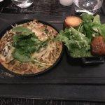 Mélange de champignons, pommes de terre, salade