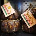 Immancabile sulla tavola di Natale: La Salamina da Sugo! Prodotta in modo artigianale