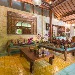 Living room Villa Demak