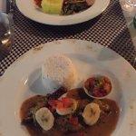 suprême de poulet créole et magret de canard à la mangue