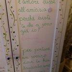 scritte su muri e pareti