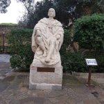 Altra statua