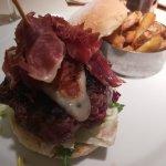 Hamburguesa Meat & Bread
