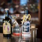 Vesper Montréal-Brooklyn : gin Madison, vodka Cirka, Uncouth Vermouth, zeste de citron