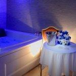 Camera suite con idromassaggio e doccia/sauna