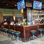 صورة فوتوغرافية لـ Bar Louie
