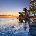 The Edge of Waikiki Infinity Pool