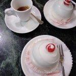 il caffè è stato fatto in un altro bancone, nessun servizio al tavolo anche per il caffè