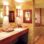 The Adobe - Handicap Accessible Suite & Bath