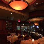 Fleming's Prime Steakhouse & Wine Bar resmi
