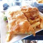 Battered fish and chips (barramundi)