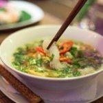 Vegetarische Konjat-Nudel-Suppe
