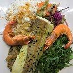 Dos de Lieu Noir&crevettes/fondue de poireaux-fenouil/roquette-persil...