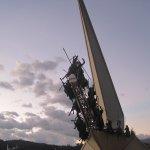 El monumento a los lanceros en el atardecer....